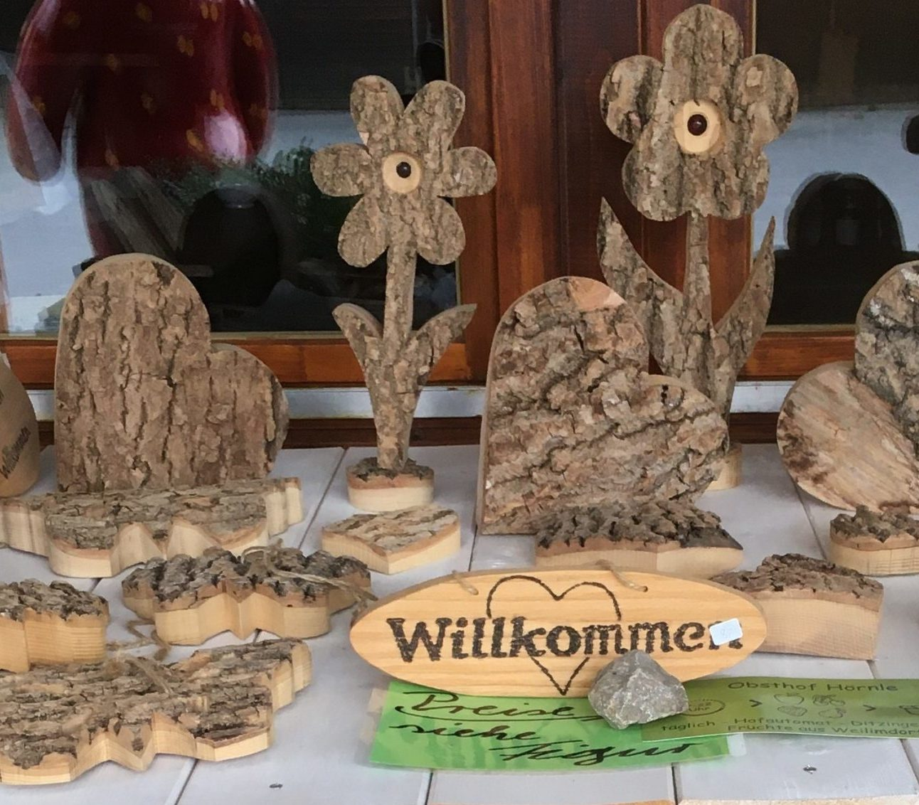 Read more about the article Holz Figuren